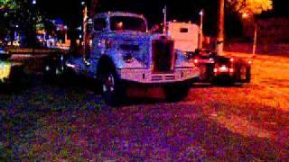 Caminhão Antigo. . .