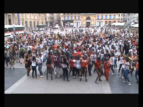 Flash Mob Beyoncé Let's Move Lyon 2012 Part 2 video