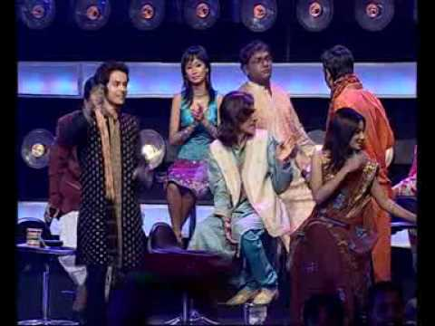 Mohit lalwani singing khaike paan benaras wala indian idol 4...
