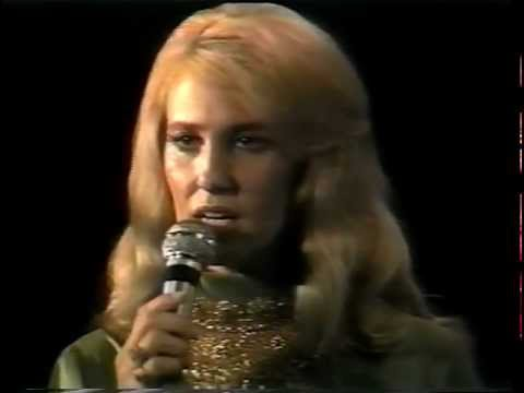 Tammy Wynette - Reach Out Your Hand