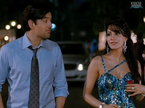 Reena & Akash Wander In The Park - U R My Jaan