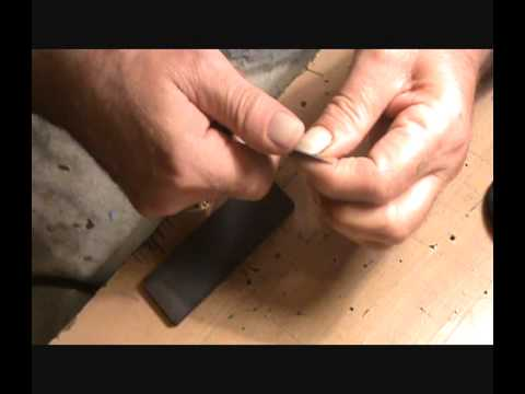 Knife sharpening with a Fallkniven DC4 stone