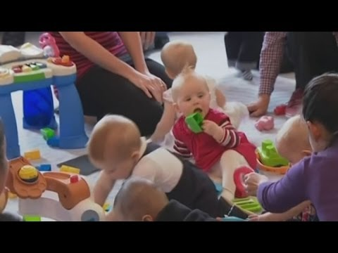 Prince George crawls: George goes on royal crawl-about with the Duchess of Cambridge