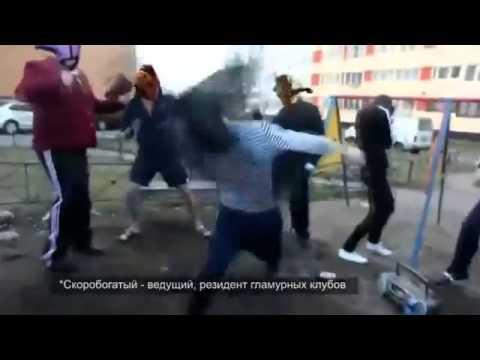 bochka-bas-kolbasit-kolbaser-po-poyas-goliy