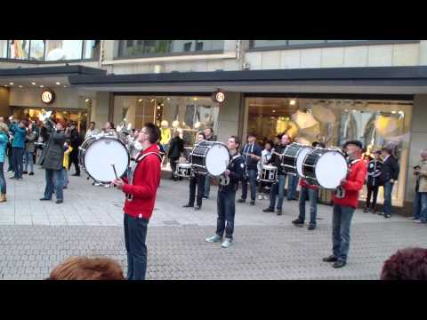 Party Rock Anthem - LMFAO / Flashmob Marchingband