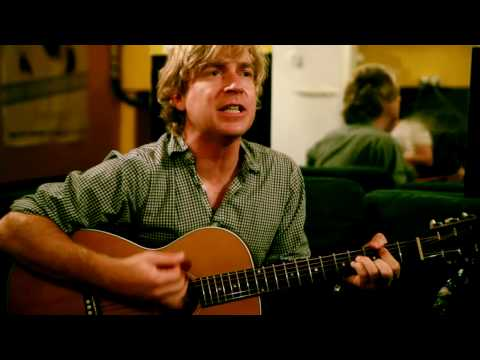 #205 Nada Surf - Love Goes On (The Go-Betweens cover)