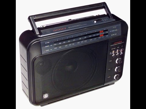 90's General Electric AM/FM Superadio (Series III) Model - 7-2887B