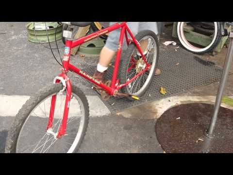 Rusted Bike Repair - Hampton Cruiser Part 1 - Pedal Off - BikemanforU