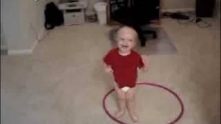 Funny Small Kid doing Hula Hoop... ROFL
