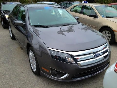 2010 Ford Fusion Hybrid Start Up, Quick Tour, & Rev With Exhaust View - 101K