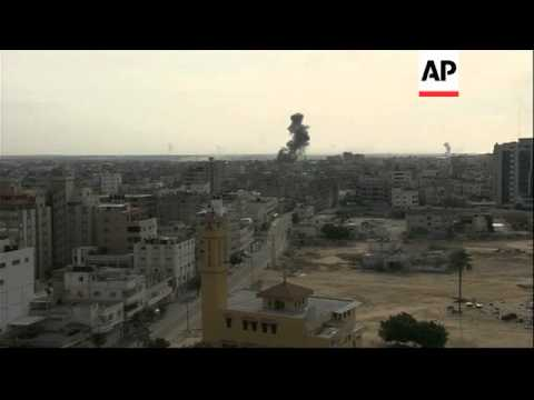 Fierce fighting between Israel and Gaza militants continues with airstrikes and rocket attacks
