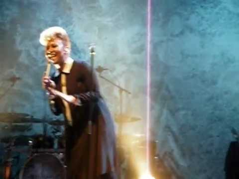 Emeli Sandé - Heaven (Live at Paradiso, Amsterdam, 31 march 2012)