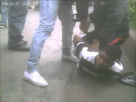 Asaltante en Catia Caracas Venezuela despues del robo