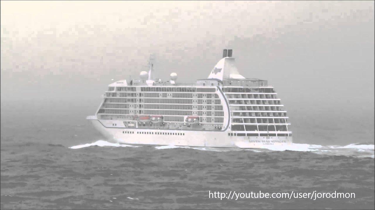 Cruise Ship Voyager Rough Seas Cruse Ship Seven Seas Voyager