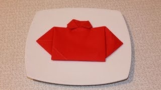 Hur man viker en skjorta av en servett