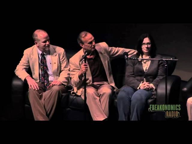 Introducing the Levitt Family: Freakonomics Radio Live in St. Paul