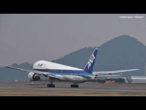 松山空港 All Nippon Airways (ANA) Boeing 777-200 JA8199 2012.3.24