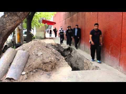 Fugas y socavones invaden las calles de Azcapotzalco