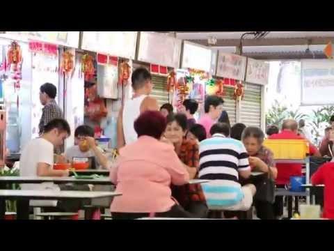 Ang Mo Kio Avenue 4 food court, Singapore, on a Sunday evening