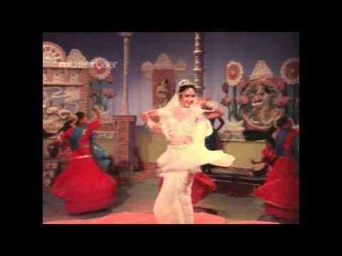 Kamangari Kaya Mari [film: Satyavadi Raja Harishchandra] - Madhuri Dixit In Gujarati Movie...!!! video