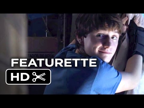 Dolphin Tale 2 Featurette - Look Who's Running The Show (2014) - Morgan Freeman Drama HD