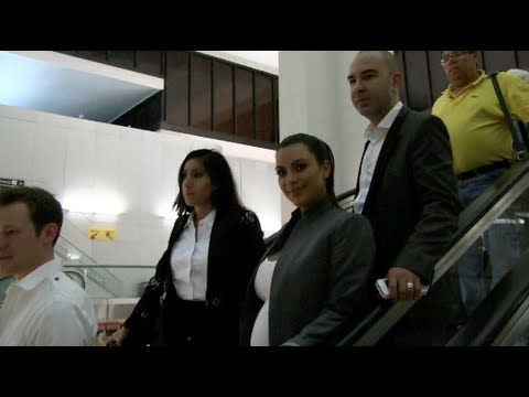 Kim Kardashian arriving at Newark Airport in New Jersey (05-05-13)