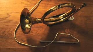 Re-Use.TV - Lamp made out of old trumpet