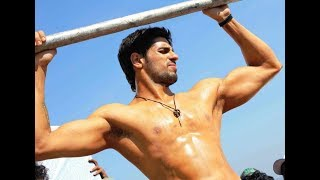 Top 10 Hottest Male Actors in Bollywood - 2018