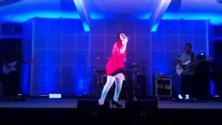 Descargar Musica Cristiana Gratis CHRISTINE D' CLARIO -- GLORIA EN LO ALTO (LIVE)