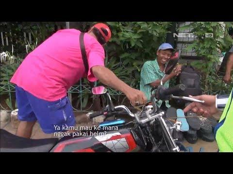 Pria Berbaju Pink Ini Dengan Spontan Kabur & Meninggalkan Motor - 86