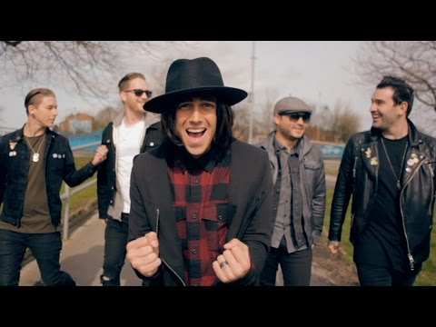 "Sleeping With Sirens – ""The Strays"""