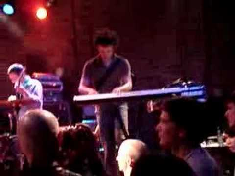 Battles - Tras (live Vancouver 7/04/07)