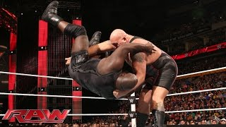 Mark Henry vs. Big Show: Raw, Sept. 28, 2015