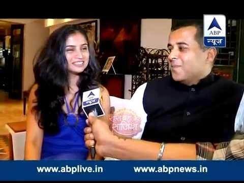 Chetan Bhagat celebrates his birthday with family