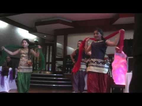 punjabi girls bhangra and giddha  parum party