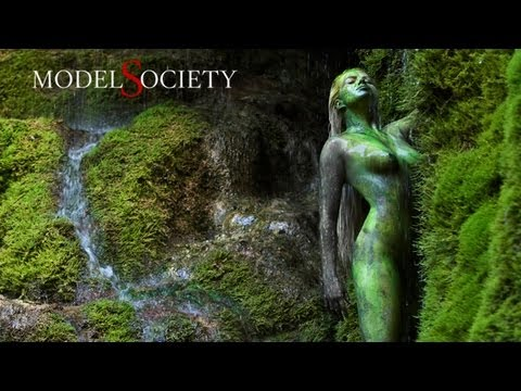 Metamorphosis: Body Painting with Naked Models in Nature.
