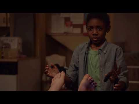 Пальцы Дебби || Смешные, крутые моменты сериала Бесстыжие.