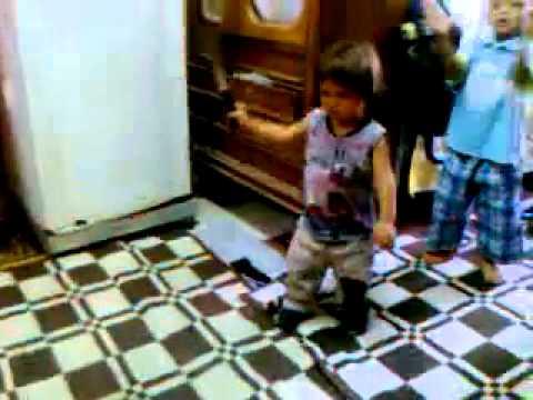 رقص اطفال شعبى thumbnail