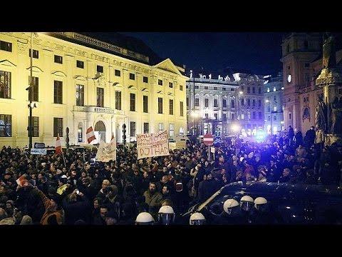 """حركة """"بيغيدا"""" المناهضة للاسلام تنظم اول مظاهراتها بفيينا"""