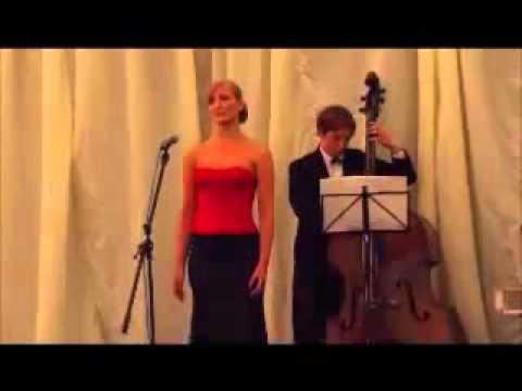 Wedding Singer Cheshire - Helen Blake - Parla Piu Piano