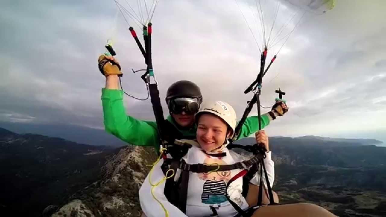 Quand un parachute lâche en plein vol…