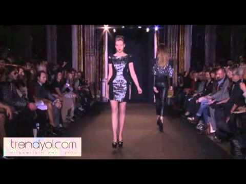 2011 Paris Moda Haftası Arzu Kaprol 'Archeology of the Future' Defilesi