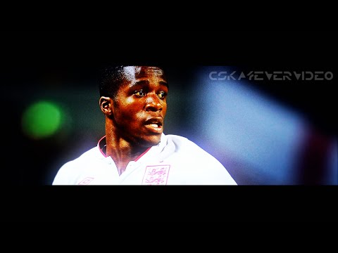 Wilfried Zaha ● Red Devil - Skills Dribbling Assists Goals ● 2012/2013 HD