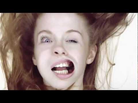 На девушек дует ветер   Girls On Blow Job :d video