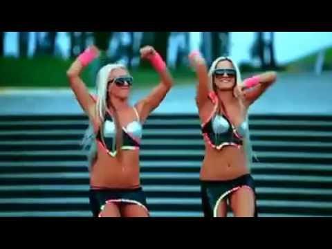 Sexsy girls dancing at car