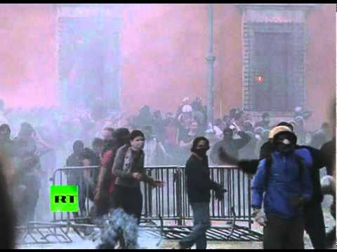 first-night-video-of-occupy-rome-clashes-cop-cars-on-fire.html