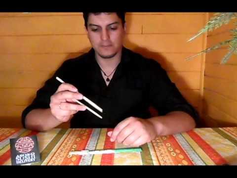 Aprenda a Usar los palitos de Sushi con Asoko Sushi.