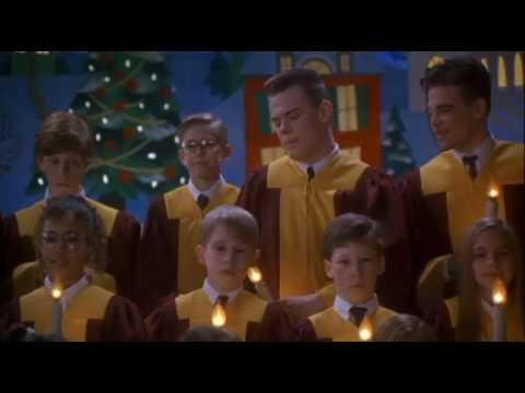 Escena de el coro mi pobre angelito 2