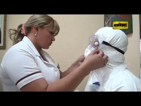 El traje para atender a un enfermo de ébola