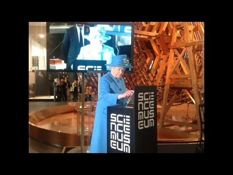 Queen Elizabeth II joins Twitter